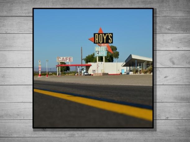 Roy's Motel, États-Unis - Tirage 30x30 par Esprit Combi - 24,00 €